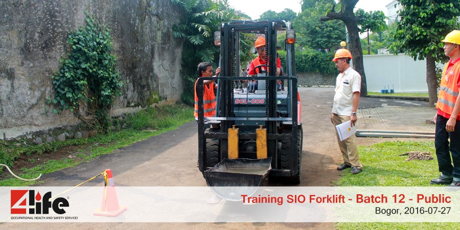 training-sio-forklift-public-batch12-27juli-2016-3
